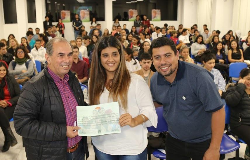 Stelatto compartió diversas actividades con los jóvenes posadeños