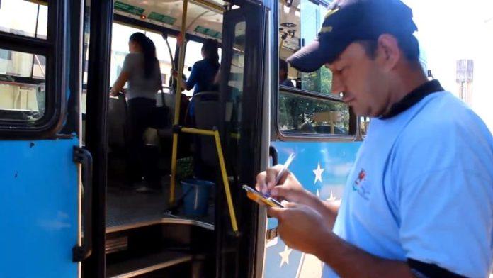 Colectivos urbanos: Un centenar de  multas por incumplir  recorridos o frecuencias en Posadas